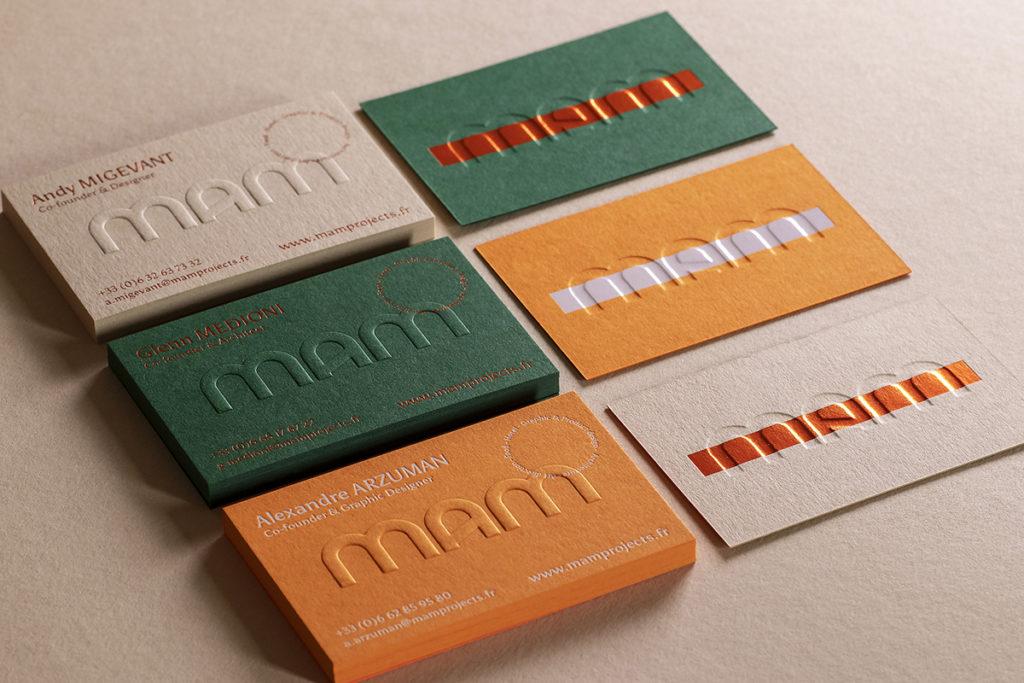cartes rose, verte et orange embossées
